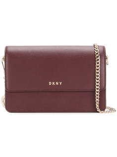 сумка на цепочной лямке DKNY