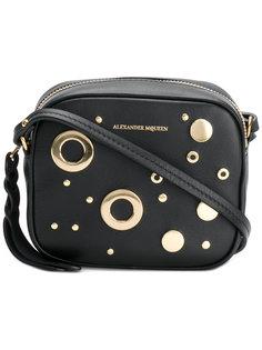 сумка на плечо с заклепками и люверсами Alexander McQueen