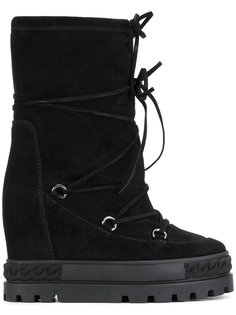 зимние ботинки на потайном каблуке Casadei