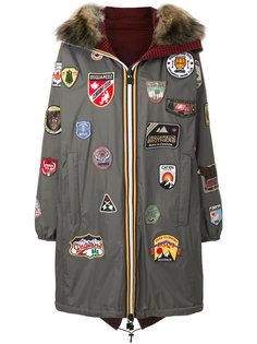 пальто с капюшоном и нашивкой Dsquared2
