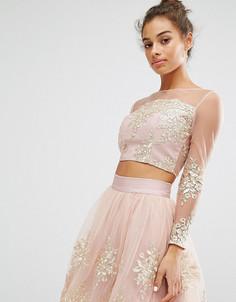 Кроп-топ с длинными рукавами и вышивкой Chi Chi London Petite Co-Ord - Розовый