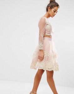 Юбка миди для выпускного со сплошной вышивкой Chi Chi London Petite Co-Ord - Розовый