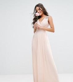 Плиссированное платье макси с декорированными плечами TFNC WEDDING - Розовый