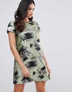 Цельнокройное платье с короткими рукавами и завитками Traffic People - Зеленый