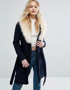Пальто с воротником из искусственного меха и поясом Bellfield - Синий