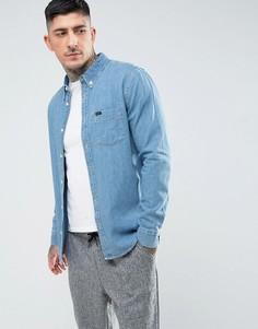 Светлая джинсовая рубашка классического кроя на пуговицах с одним карманом Lee - Синий