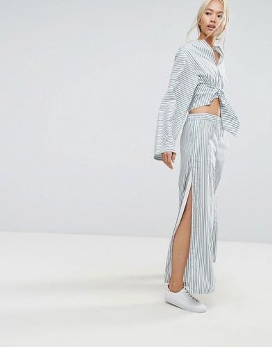Широкие полосатые брюки в пижамном стиле с кнопками по бокам House Of Sunny - Мульти