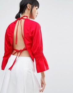 Топ с открытой спиной и рукавами клеш House Of Sunny - Красный