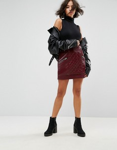 Мини-юбка из искусственной кожи со стеганой отделкой ASOS - Красный