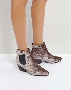 Бархатные ботинки в стиле вестерн на низком каблуке Qupid - Серый