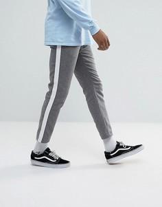 Серые укороченные брюки с полосками по боками ASOS - Серый