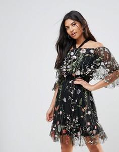 Платье с вышивкой Club L - Черный