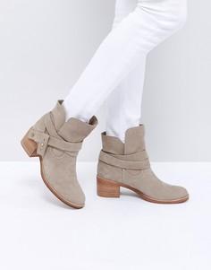 Ботинки на среднем каблуке UGG Elora - Серый