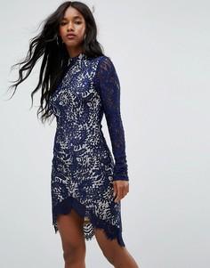 Темно-синее кружевное облегающее платье с длинными рукавами и асимметричным подолом Girl In Mind Francis - Темно-синий