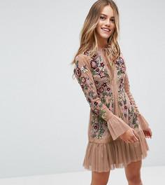 Короткое приталенное платье с отделкой Frock And Frill Petite - Бежевый