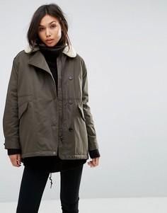 Свободное пальто с воротником из цигейки Parka London Zoe - Зеленый