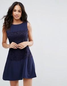 Темно-синее расклешенное платье с кружевной отделкой Ax Paris - Темно-синий
