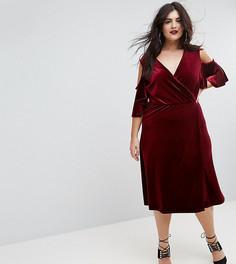 Бархатное платье миди с открытыми плечами и запахом Boohoo Plus - Красный