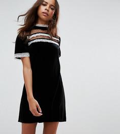 Платье с отделкой в викторианском стиле Fashion Union Petite - Черный