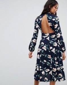 Платье миди с открытой спиной и кружевной отделкой Boohoo - Темно-синий