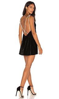 Мини-платье с жемчужными бусинами tori - Motel