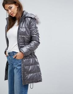 Блестящее дутое пальто с искусственным мехом Boohoo - Серый