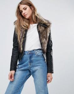 Куртка из искусственной кожи с отделкой из искусственного меха Urban Bliss - Черный