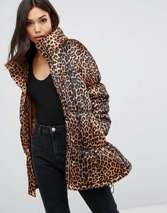 Дутая куртка с леопардовым принтом PrettyLittleThing - Мульти