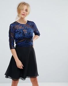 Короткое приталенное платье с кружевным топом и отделкой Elise Ryan - Мульти