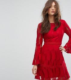 Платье с рукавами клеш и кружевной вставкой Boohoo - Красный