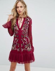 Короткое приталенное платье с вышивкой и оборками Frock and Frill - Черный