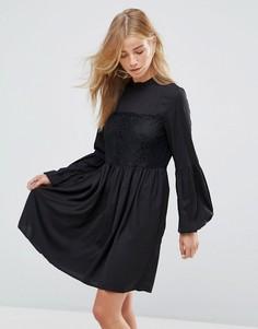 Свободное платье с кружевной отделкой Vila - Черный