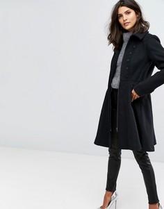 Приталенное расклешенное пальто на пуговицах Y.A.S - Черный