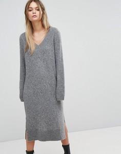 Трикотажное платье с V-образным вырезом Selected - Серый