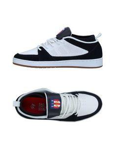 Низкие кеды и кроссовки ÉS
