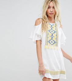 Пляжное платье с открытыми плечами и кисточками Akasa - Белый