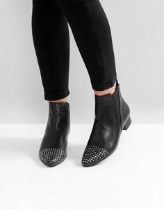 Ботинки на каблуке с острым носком London Rebel - Черный