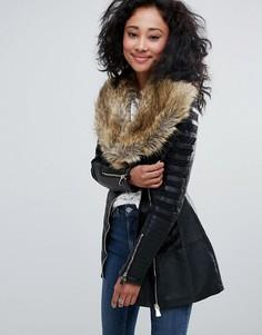 Куртка с широким воротником из искусственного меха Urban Bliss - Черный