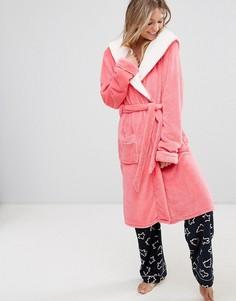 Розовый пушистый халат Chelsea Peers - Розовый
