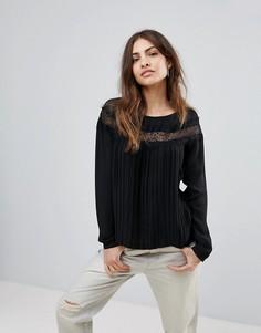 Блузка с кружевной вставкой Only Wenda - Черный
