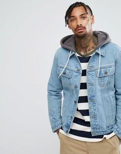 Выбеленная джинсовая куртка с трикотажным капюшоном ASOS - Синий