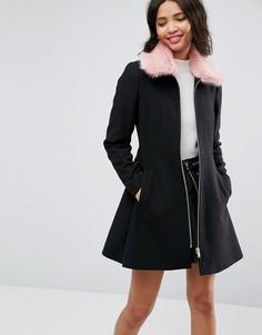 Приталенное пальто с розовым воротником из искусственного меха ASOS - Черный