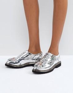 Декорированные туфли на плоской подошве ASOS MAYFLOWER - Серебряный