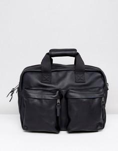 Черная кожаная сумка для ноутбука Eastpak Tomec - Черный