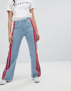 Широкие джинсы с контрастной отделкой лентой Boohoo - Синий