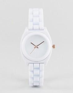 Часы бойфренда в спортивном стиле ASOS - Белый