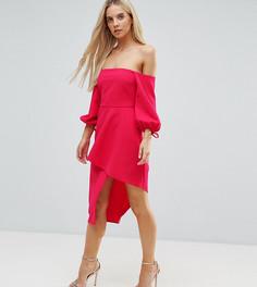 Платье миди с широким вырезом, ярусной юбкой и запахом ASOS PETITE - Розовый