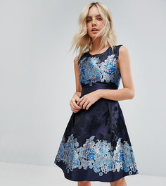 Короткое приталенное платье с комбинированным принтом Yumi Petite - Темно-синий