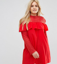 Платье с высоким воротом, длинными рукавами и кружевом кроше Club L Plus - Красный