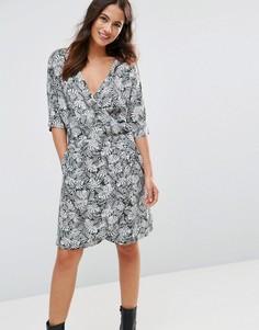 Платье с запахом и цветочным принтом FRNCH - Зеленый